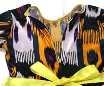 画像2:   ウズベク絣風プリント衣装